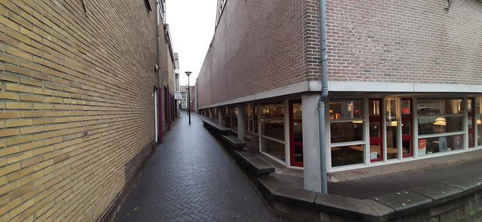 ...maar deze steeg tussen de Hogestraat en de Hoven verdwijnt.