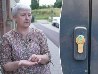 Blauwe 'plasticine' in sleutelgaten: flauwe grap of tactiek van inbrekers?