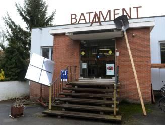 Kunstenaarscollectief Batiment A exposeert laatste keer voor gebouw onder sloophamer gaat