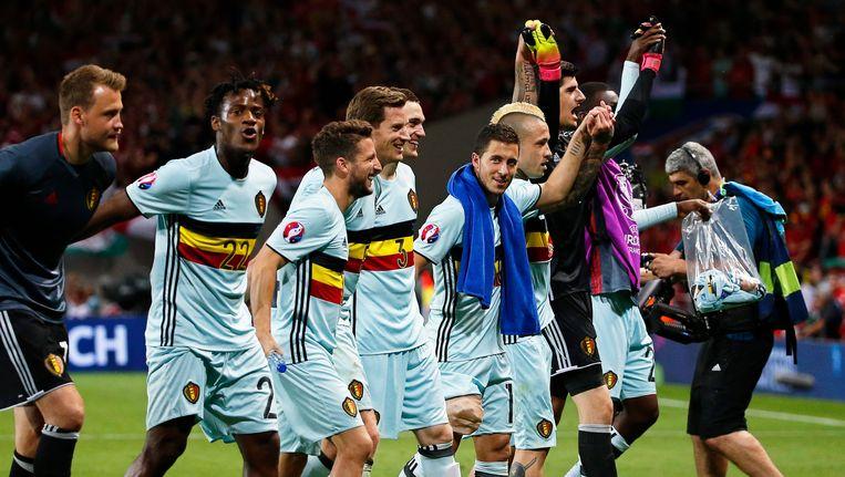 De Rode Duivels vieren de 4-0 overwinning tegen Hongarije op het voorbije EK. Beeld EPA