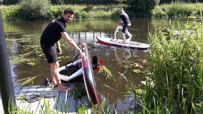 De fietssup werd vorige week door onder andere Henk van Buuren en zijn vrouw getest op De Dommel.