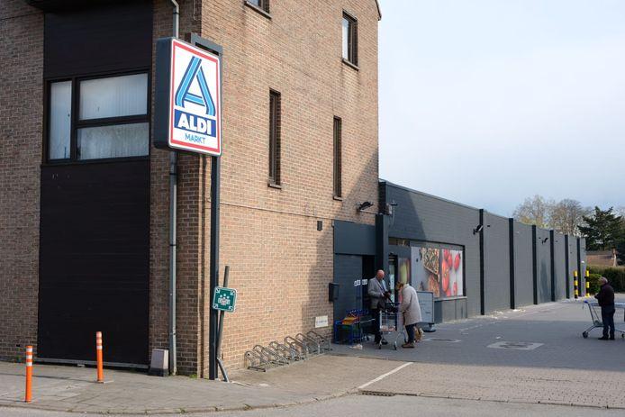 Het Renmans-filiaal naast het ALDI-warenhuis in de Hoogstraat in Zaventem sluit op 30 april om 19 uur definitief de deuren.