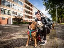 Corporatie verkoopt flat in Almelo, alle 64 huurders moeten verkassen: 'Dit valt mij rauw op het dak'