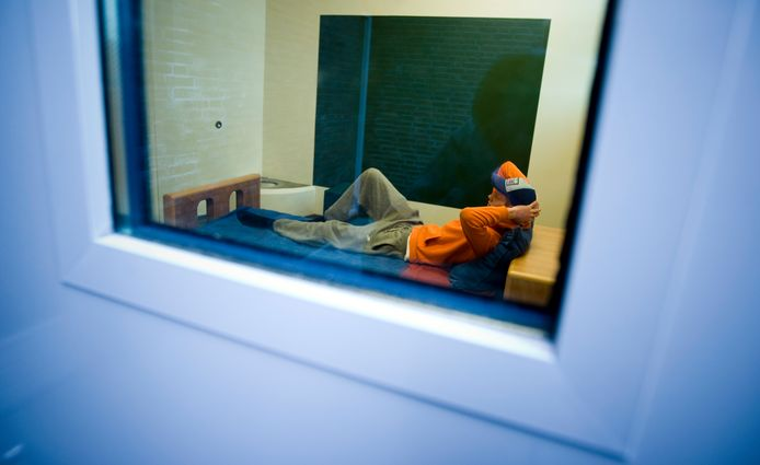 Jongere in een isoleercel, foto ter illustratie.