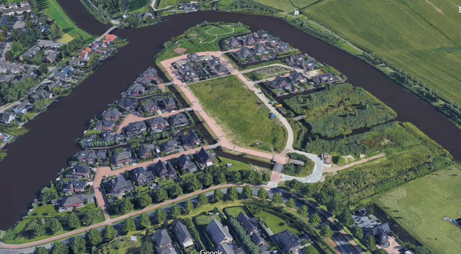 Gemeente Alblasserdam gaat op zoek naar een nieuwe bouwer voor de laatste woningen in villawijk Waterhoven.