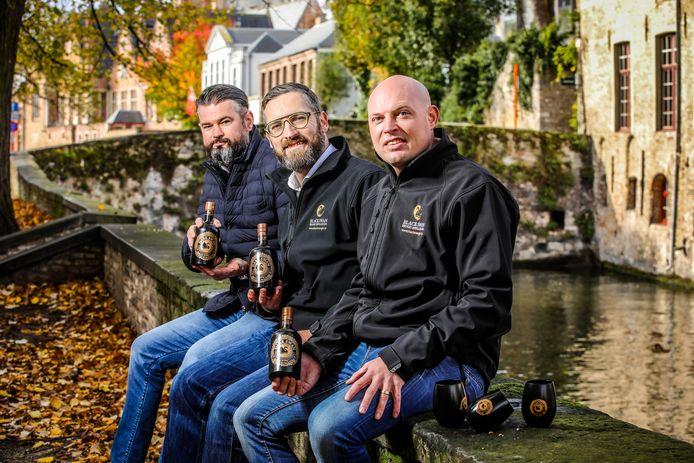 Baptiste Van Outryve, Hendrik Baeke en Joachim Augustyn stellen de Dark Swan voor.