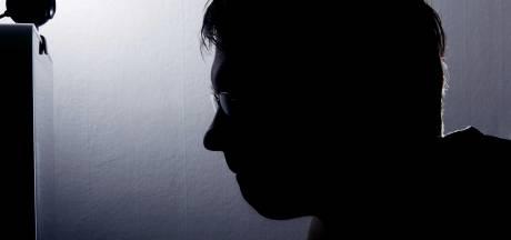1,5 jaar cel voor ambtenaar die meisjes online verleidde