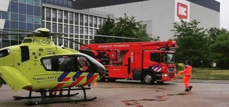 Medewerker IHC raakt gewond bij val van 2 meter hoogte