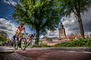 Rondje om de kerk - Ronde van Zutphen, wielrennen, wielerkoers. Opdrachtnummer: DS-2019-4019 Foto Rob Voss