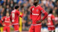 Football Talk. Gestrafte Lamkel Zé ook niet op ploegfoto - Radja Nainggolan mee op oefenkamp met Inter - Seedorf weg bij Kameroen