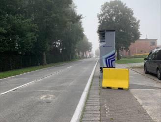 Superflitspaal is verhuisd naar Kleitstraat in Lievegem