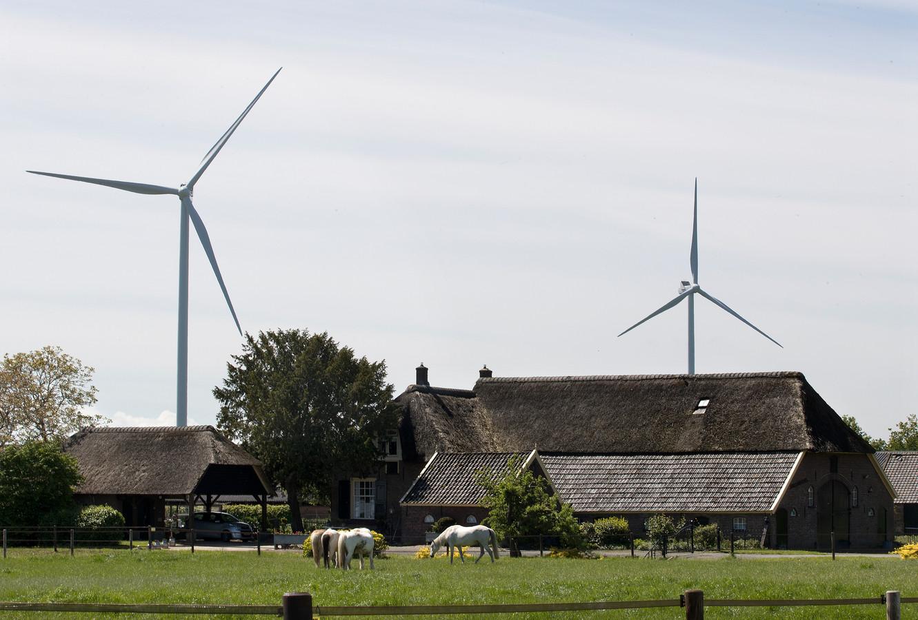 Archiefbeeld van windmolens bij Doesburg, ongeveer 12 kilometer van Brummen verwijderd.