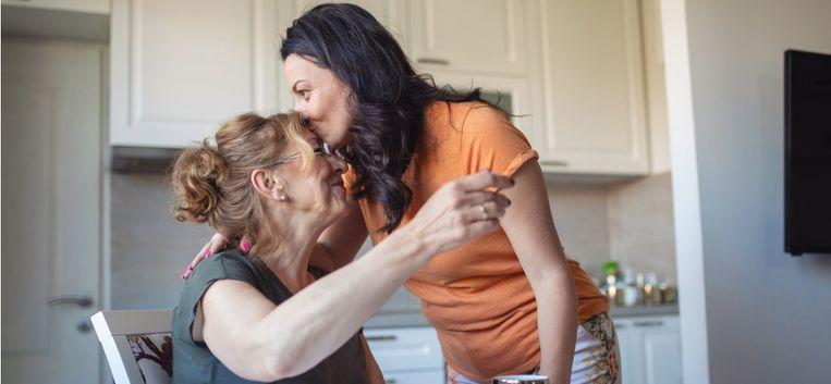 """Moeder Bea (69) tegen dochter Marieke (48): """"Ik vind het jammer dat ik jou met mijn angsten heb opgezadeld"""""""