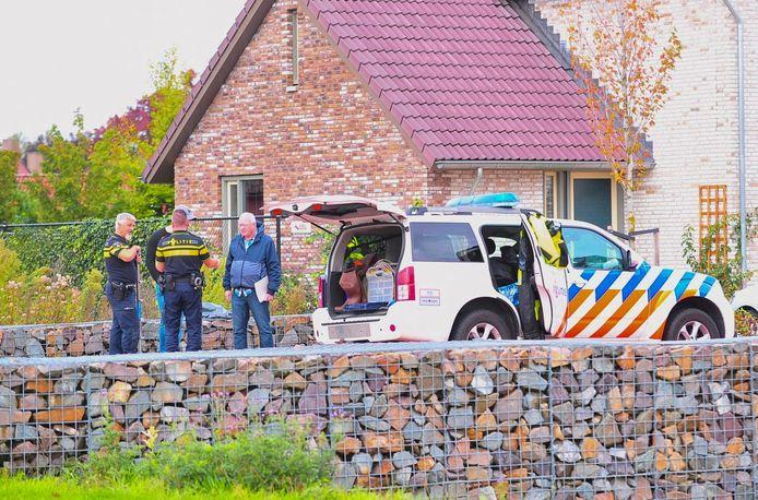 Politie zoekt sporen in Weert in het onderzoek naar de moord op Dennis Struijk.