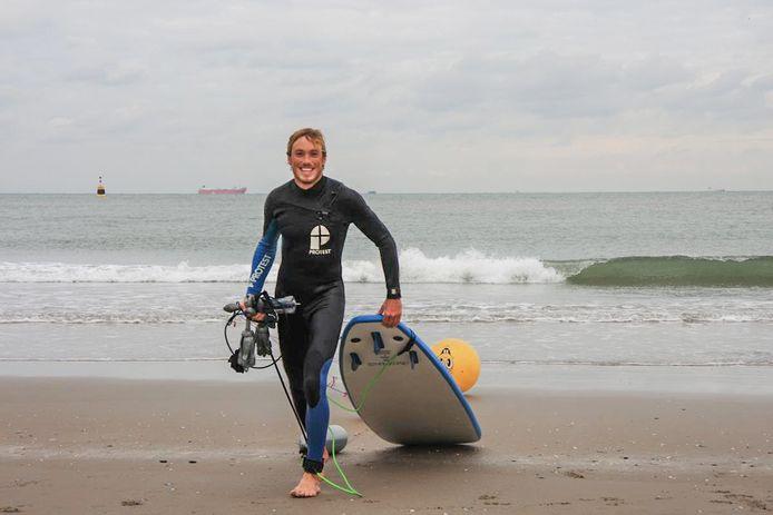 Voor Joost Bakker (30) uit Halsteren was surfen zijn lust en zijn leven. Uitgerekend op zee kwam hij om het leven.