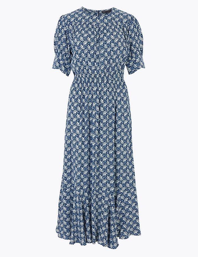 Cette robe ne coûte que 43 euros.
