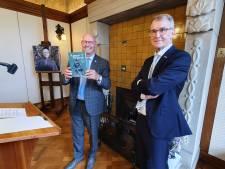 Kamper Almanak blijkt ideaal 'cursusboek' voor de nieuwe burgemeester