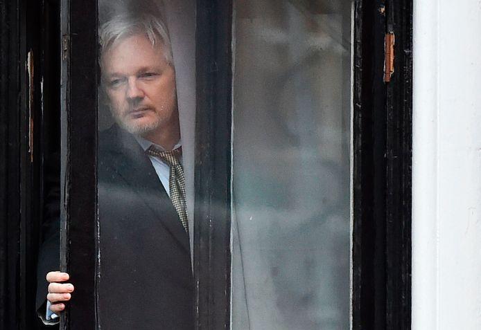 Julian Assange à l'ambassade d'Équateur, à Londres (2015)