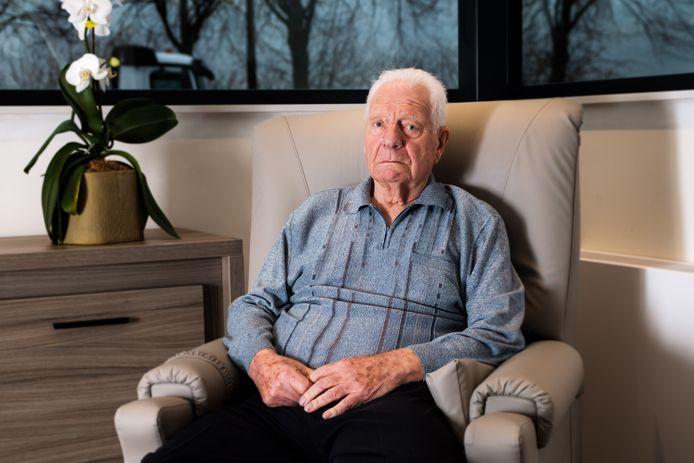 De inmiddels overleden oud-burgemeester Jos Werelds (88) werd slachtoffer van de oplichting van de vrouw.