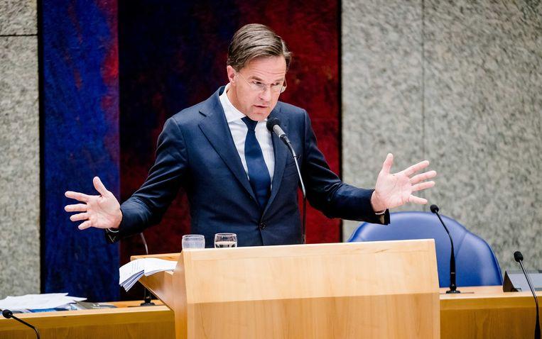 Demissionair premier Mark Rutte tijdens een debat in de Tweede Kamer over het toeslagenrapport en het opstappen van het kabinet.  Beeld ANP