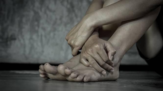 Rechter wil extra telefoongesprekken beluisteren om te oordelen of man (28) effectief vriendin van zijn partner verkrachtte