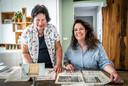Nathalie de Graauw (rechts) is de vierde generatie Philips-medewerkster in haar familie. Samen met haar moeder Antoinette de Graauw-Clemesha vertelt ze erover.