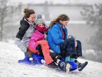 In Nederland heeft het pas écht gesneeuwd: sneeuwstorm Darcy zorgt lokaal voor tapijt van 30 centimeter