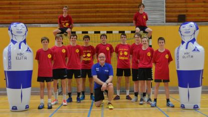 J16 van handbalclub Elita veroveren de titel