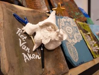 Rumstenaars bouwen samen kunstzinnig dak voor Piet Van Akenjaar