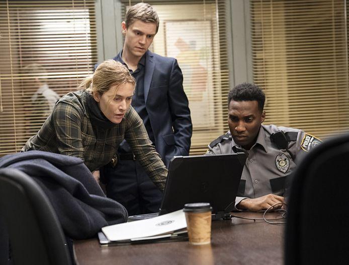 Kate Winslet en Evan Peters in 'Mare of Easttown'
