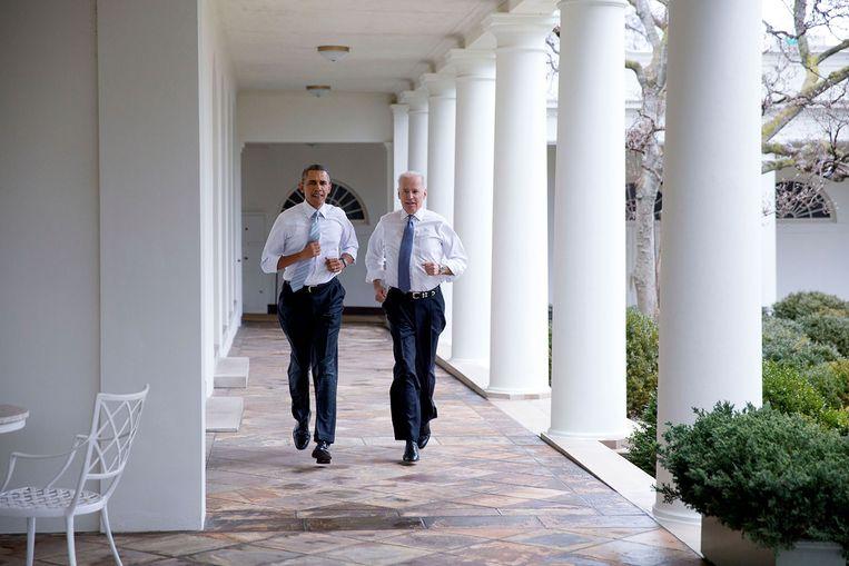Barack Obama en toenmalige vicepresident Joe Biden bij de opname van een Let's Move!-video in het Witte Huis, 2014. Beeld The White House