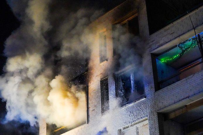 Felle uitslaande brand in appartementencomplex in Eindhoven