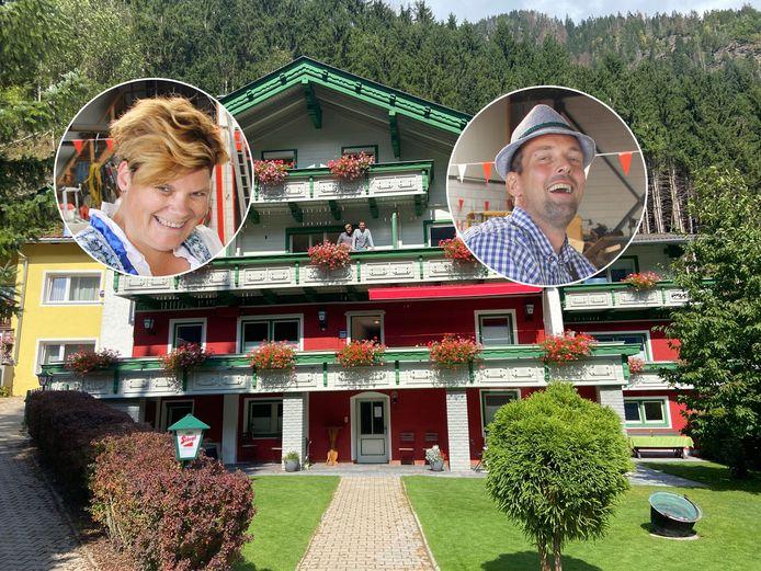 Geke en Erik op het balkon van hun nieuwe onderkomen in Oostenrijk.