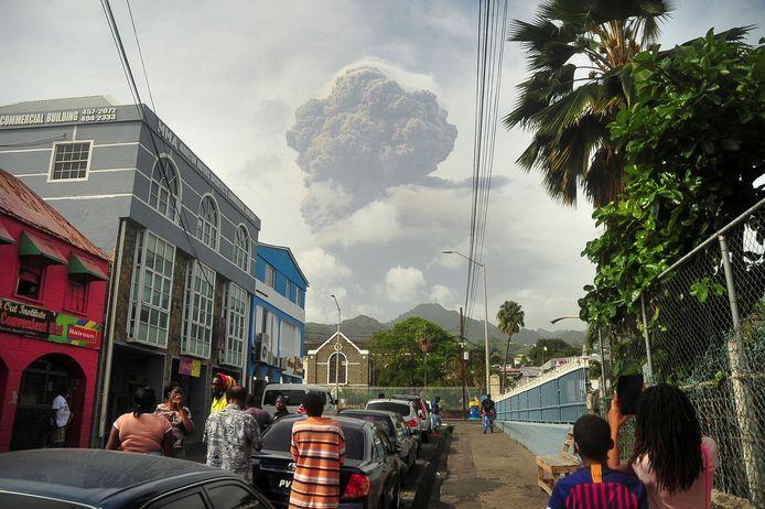 Beeld van de uitbarsting vrijdag.