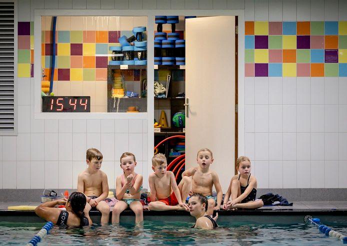 Foto ter illustratie. Zwembaden mogen vanaf donderdag - met maatregelen - weer open.