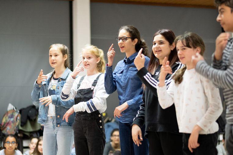 Musicalsterren in spe: deze leerlingen smeren alvast de stembanden.