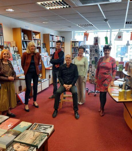 Nieuwe gezichten in Toren van Bemmel; elke dag runnen tweetallen de boekhandel