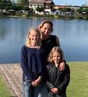 Pascal de Waal met haar dochters Luna en Devany.