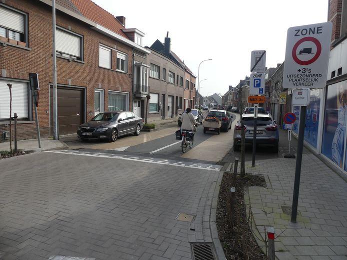 Binnenkort kan je de Poelstraat alleen nog inrijden via de Gaversesteenweg.