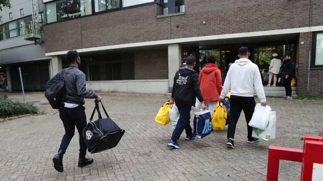 Een heel leven in een boodschappentas: de eerste vluchtelingen arriveren in Gorinchem