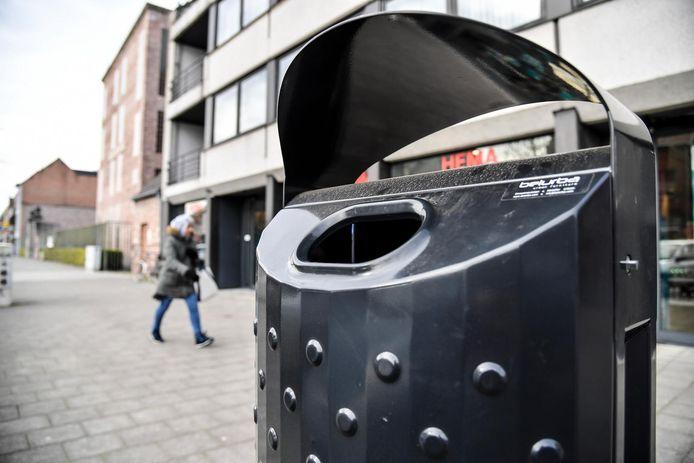 De nieuwe afvalbakken in de strijd tegen zwerfvuil.