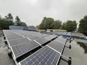 In totaal liggen er 260 zonnepanelen op De Klokbeker, maar stroom leveren op zonnige dagen lukt maar moeizaam.