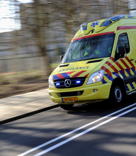 Drie gewonden nadat auto uit de bocht vliegt in Katwijk