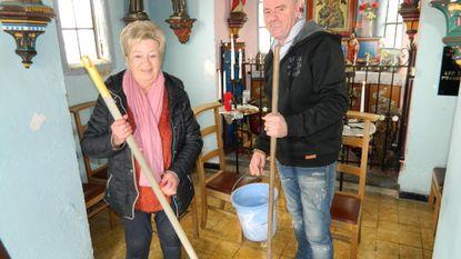 """Stranduitbater poetst kapelletje: """"Uit dank voor goede loting"""""""