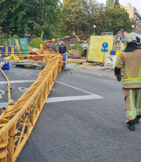 Une grue de chantier s'effondre à Forest, trois ouvriers blessés