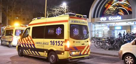 Jongen  zwaargewond na val onder trein