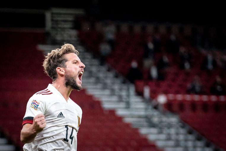 Dries Mertens viert zijn doelpunt tegen Denemarken. Beeld BELGA