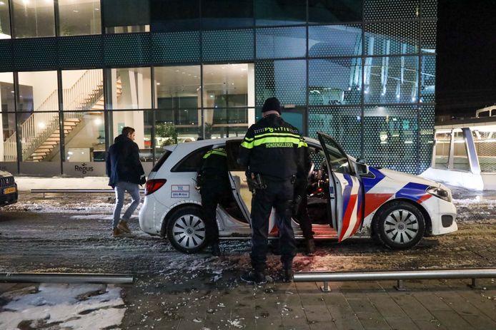De aanhouding op het station van Arnhem, dinsdagavond.
