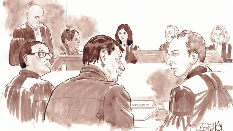 Willem Holleeder met zijn advocaten Robert Malewicz en Sander Janssen in de rechtbank. Beeld ANP/Aloys Oosterwijk