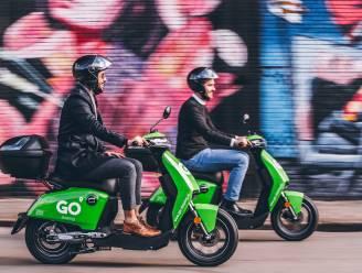 Antwerpen heeft er in één klap 400 deelscooters bij: felgroene brommertjes van Go Sharing komen voor het eerst naar België